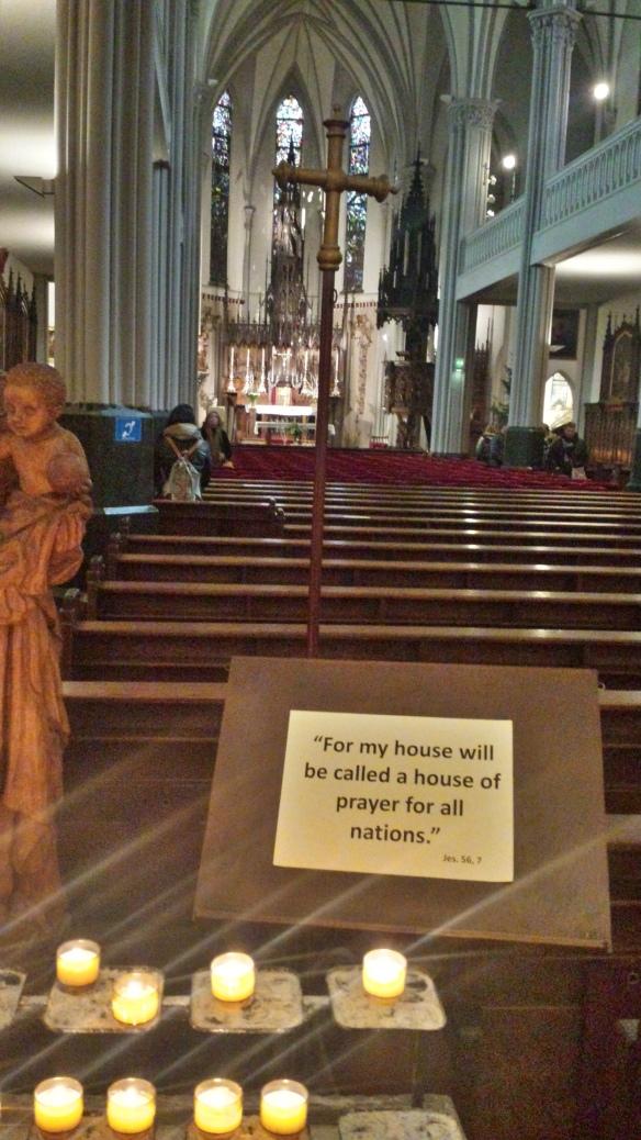 Gebedshuis voor alle volken (Jesaja 56:7 en Marcus 11:17), St. Nicolaas-parochie Kalverstraat te Amsterdam